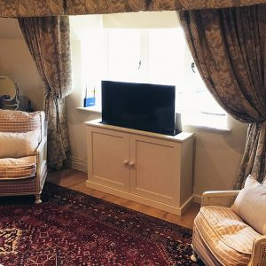 Pop up TV cabinet