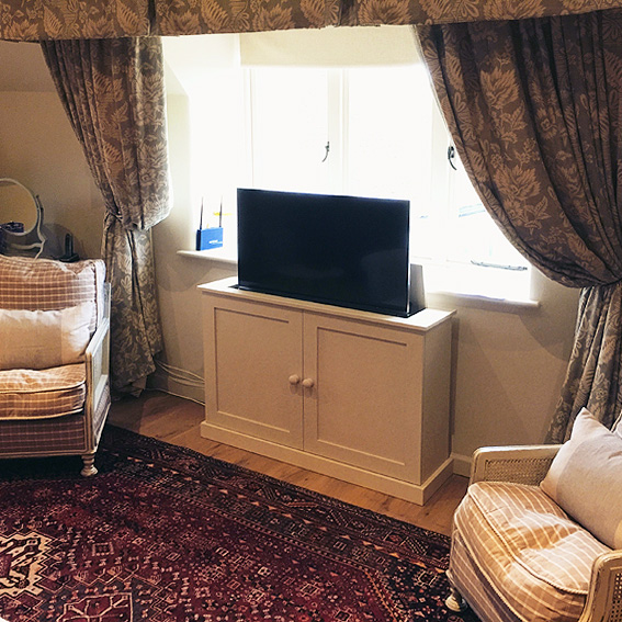 Pop up TV cabinet