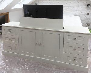 Hidden TV cabinet with lift