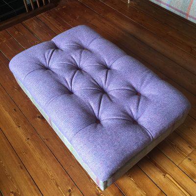 deep button footstool